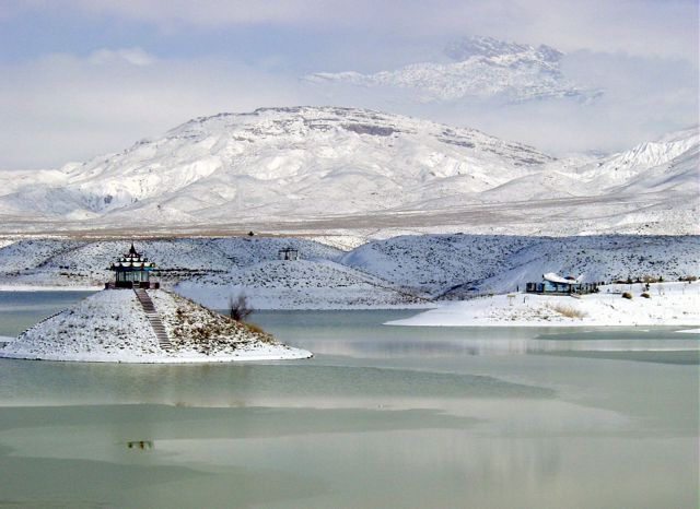 Hanna Lake in winter